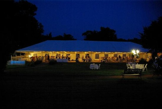 Wachusett Village Inn: Tent Weddings