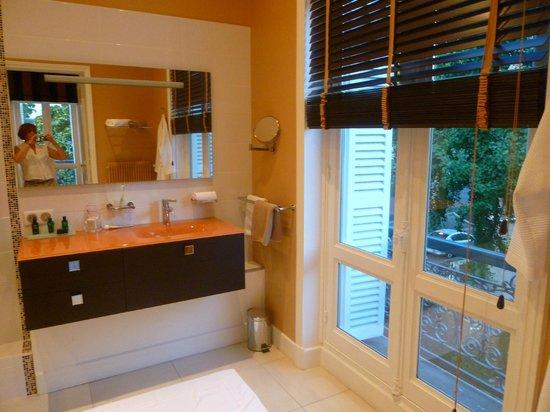 Suites Beranger : Baño de la suite