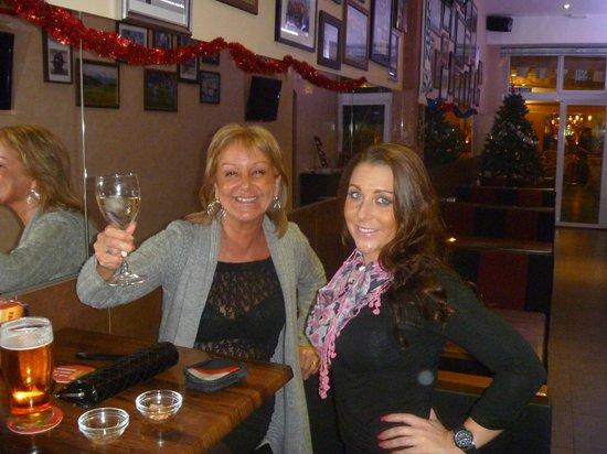 Bar Uno: Kay and Glo