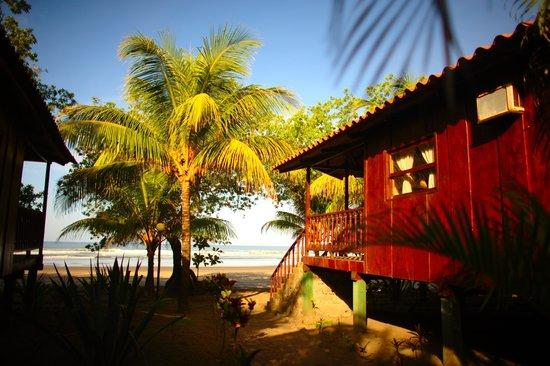 Redwood Beach Resort: Beachfront Cabanas