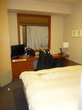โรงแรมแจล ซิตี้ ฮาเนดะ โตเกียว: Desk and Window
