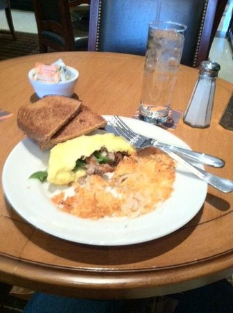 Sheraton Minneapolis Midtown Hotel: An example of a breakfast meal at the SMM
