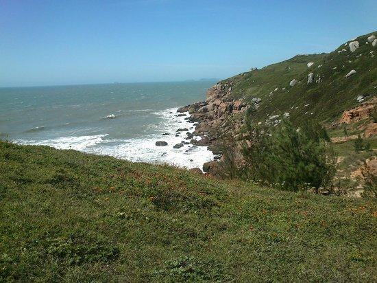 Praia Itapiruba : O meio do morro