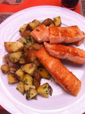 Las Delicias de Carmen: salmao com batatas cozidas