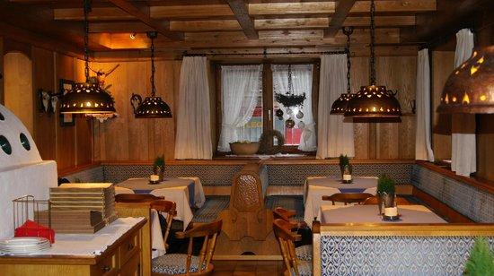 Jägerhof:                   Зал ресторана