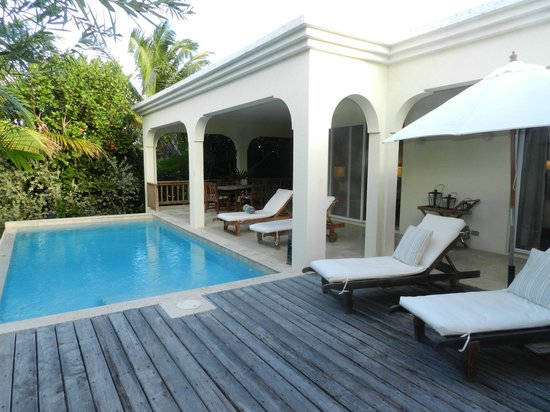 Meads Bay Beach Villas: Private Dipping Pool
