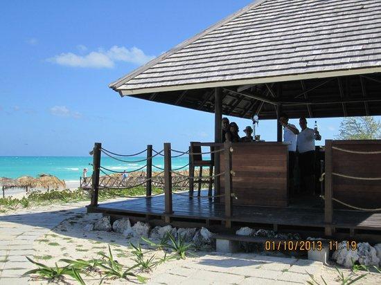 Royalton Cayo Santa Maria: Bar de la plage
