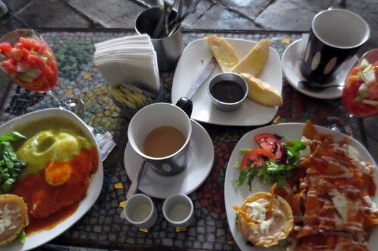 La Mata Tinta Tlaquepaque: colorful delicious desayuno