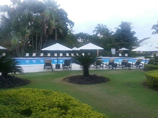 El Embajador, a Royal Hideaway Hotel: nice pool with no stuff to give you a towel