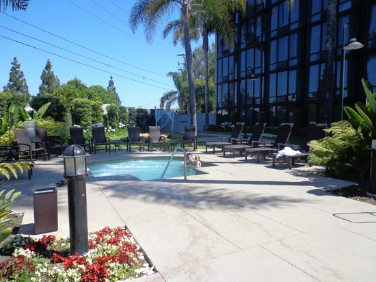 Loby picture of crowne plaza costa mesa orange county - Maison d architecte orange county californie ...