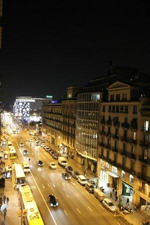 H10 Universitat Hotel:                   Вид с балкона
