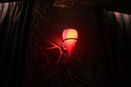 Le Grand Hotel de Valenciennes : detalle de la lámpara