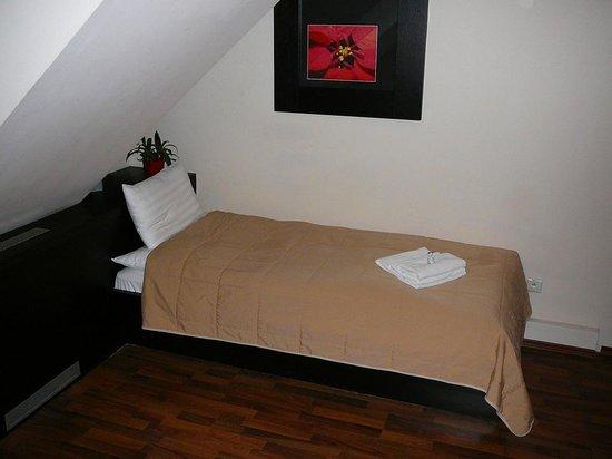 Grand Hotel : Einzelzimmer (Bett)