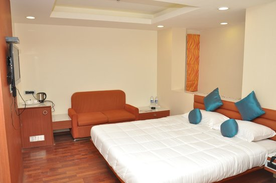 Saravana Boutique Inn: room