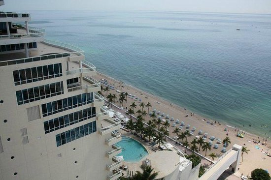 Marriott's BeachPlace Towers: view from rooftop lounge