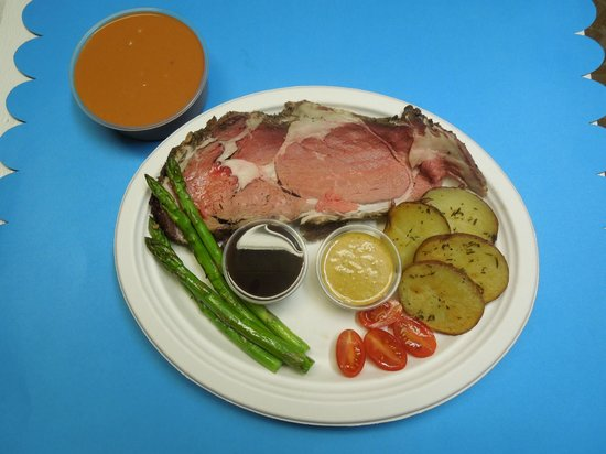 Cal-Bob's Smoke Shack: Smoked Prime Rib,Grilled Aspargas and Red Pepper Soup