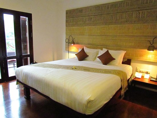 Victoria Xiengthong Palace: our lovely room