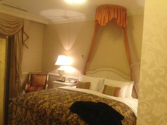 Beijing Hotel NUO: Very comfortable bed