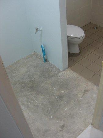 Arun Seaview Apartment: Bathroom (unfinished?)