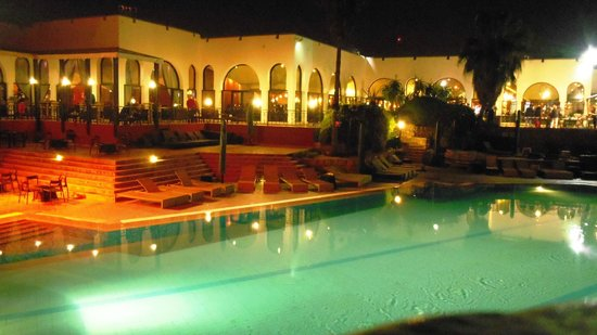 Piscine le soir picture of club med agadir agadir for Piscine club med gym