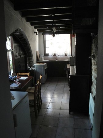 Stratos ArtDeco House: View of the Kitchen from our first room