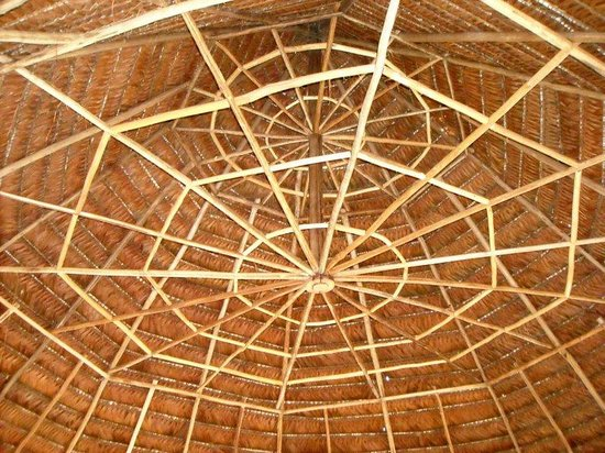 Abundancia Amazon Eco Lodge: More examples of local traditional building just beautiful