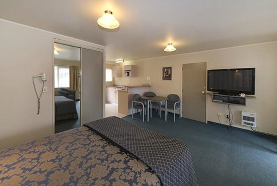 Geneva Motor Lodge: Studio unit with Spa Pool