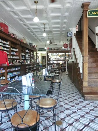 Woods Soda Fountain: another view