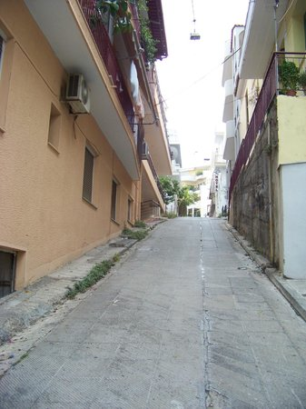 Acropolis Ami Boutique Hotel: View up the steep little street, the hotel is at the top on the right
