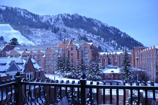 Hyatt Residence Club Grand Aspen: view if you are standing on the balcony.