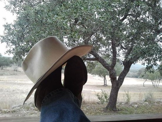 Rancho Cortez: Relaxing on the porch