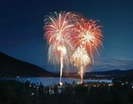 Western Riviera Lakeside Lodging & Events: Fireworks on Grand Lake (every 4th of July & New Year's Eve)