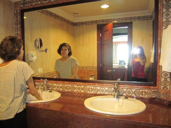 Hotel Riu Palace Las Americas: Bathroom