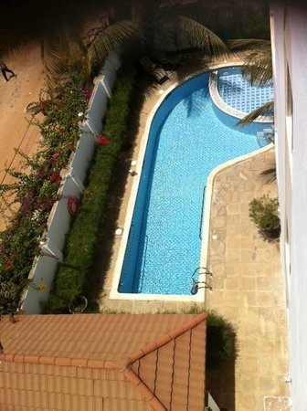 Wavecrest Hotel Gambia: picture of pool view from resturant