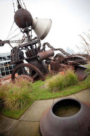 Baltimore Museum of Industry: Outdoor Sculpture