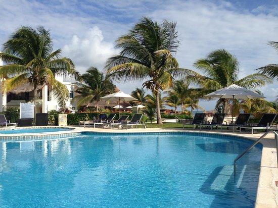 pool picture of azul beach resort riviera maya puerto. Black Bedroom Furniture Sets. Home Design Ideas