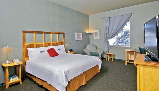 Dimond Center Hotel: Deluxe King Room