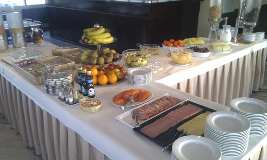 Velamar Boutique Hotel: some of the breakfast offerings - best I found in Algarve
