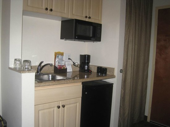 "Mediterranean Inn : ""Kitchenette"" in Room"
