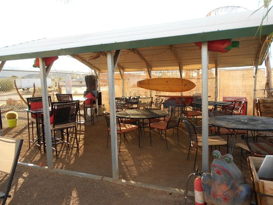 Chihuahua's Chill Grill: Outdoor dining at the best!!