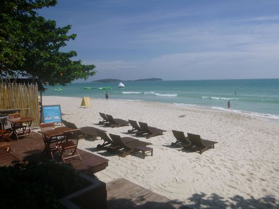Buri Rasa Village Samui: View north up Chaweng beach