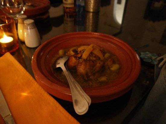 Riad Al Jana: Delicious Chicken tagine
