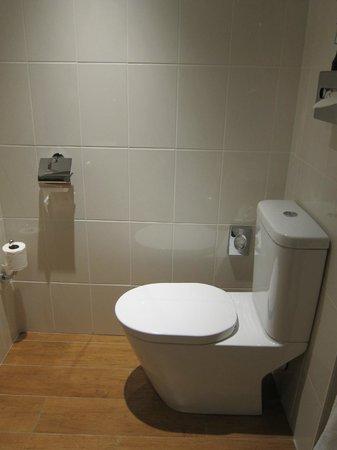 Best Western Masqhotel : otro angulo del baño