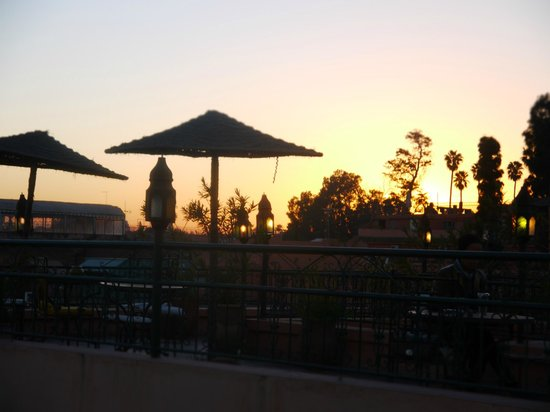 Hotel Cecil Marrakech: Sunset from the terrace looking out at another terrace