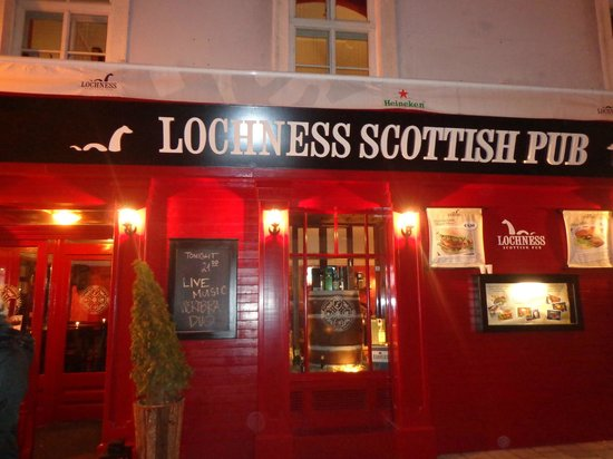 Lochness Pub  Lochness-scottish-pub