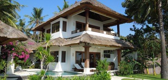 Palm Garden Amed Beach & Spa Resort : Oceanfront Doublefloor Villa