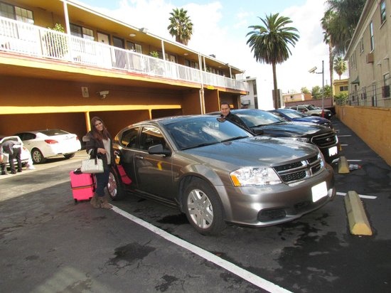 SureStay Collection by Best Western Saharan Hotel: Parking