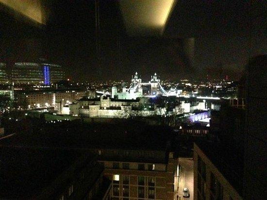DoubleTree by Hilton Hotel London -Tower of London: Aussicht aus der Bar im obersten Stock!