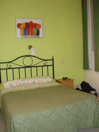 Hostal Los Alpes: chambre double
