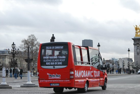 paris panoramic bus on the way to the invalides picture of paris bus service tours paris. Black Bedroom Furniture Sets. Home Design Ideas